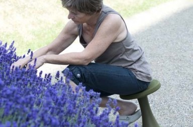 OneLeg_garden_stool